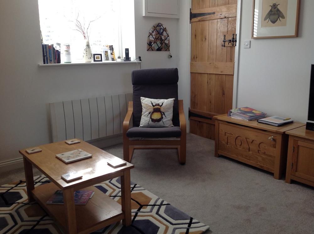 beeslivingroom-copy