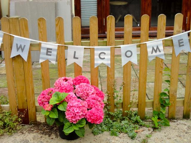 welcomebunting